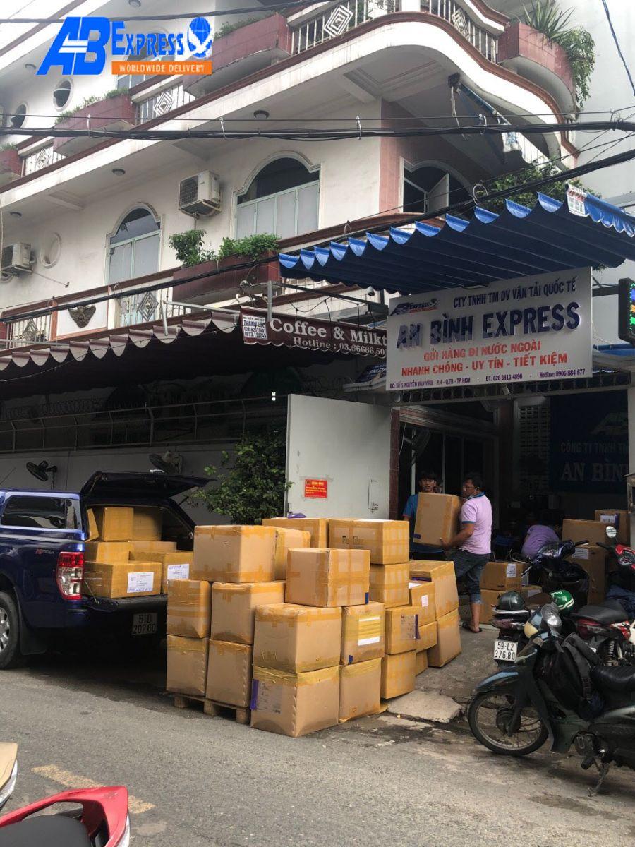 Giới thiệu dịch vụ gửi linh kiện máy móc từ Việt Nam đi Úc