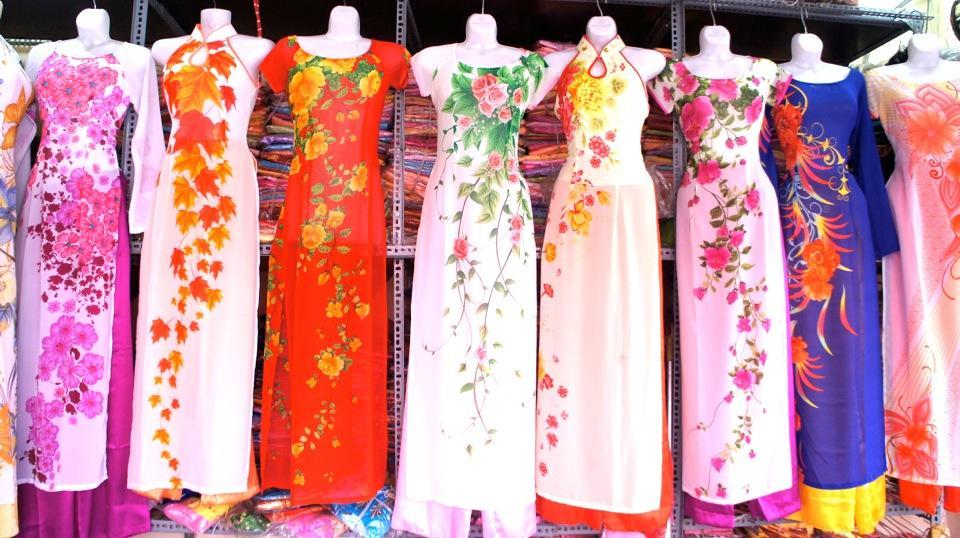 gửi đầm váy dạ hội, áo cưới, áo vest đi Úc